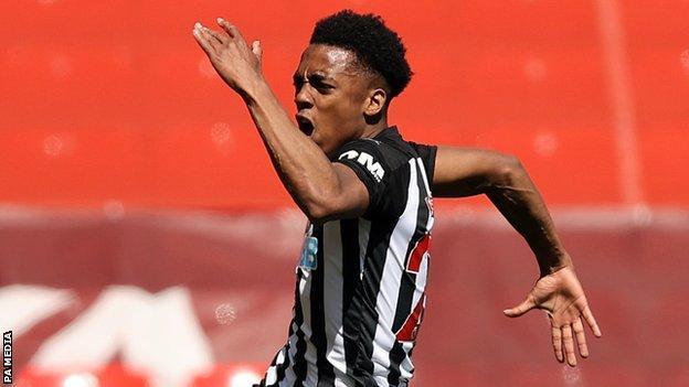 Newcastle score the last minute leveler