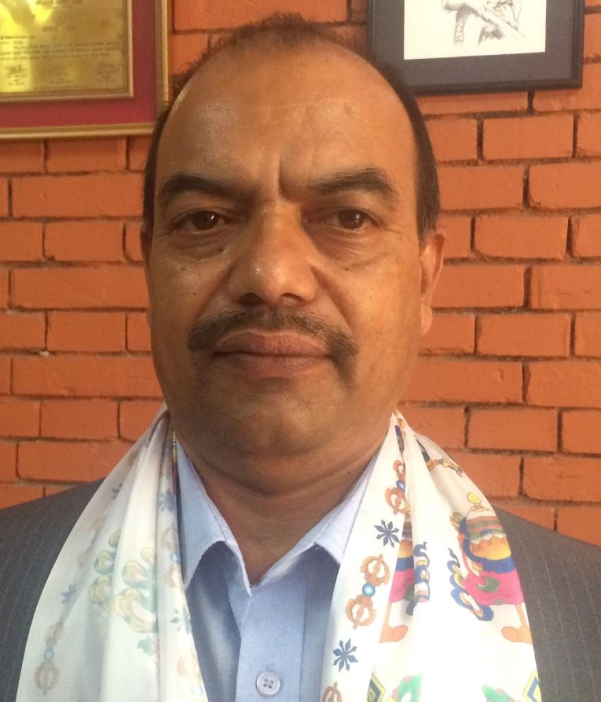 ललितपुर जिल्ला पौडी संघका नवनिर्वाचित अध्यक्ष मकुन्दराज शर्मा ।