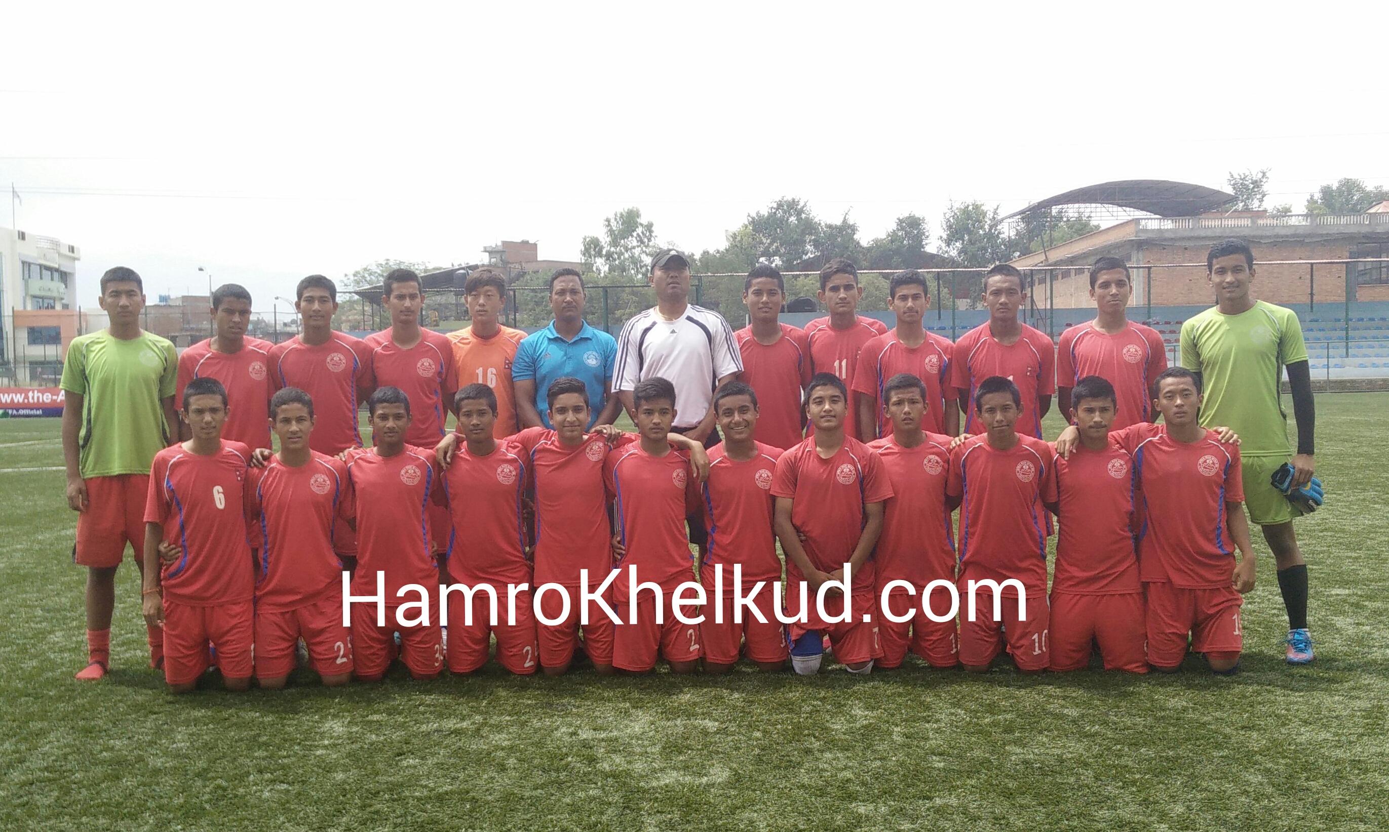 किर्गिस्तान जाने फुटबल यु१६ टोलीको बिदाई
