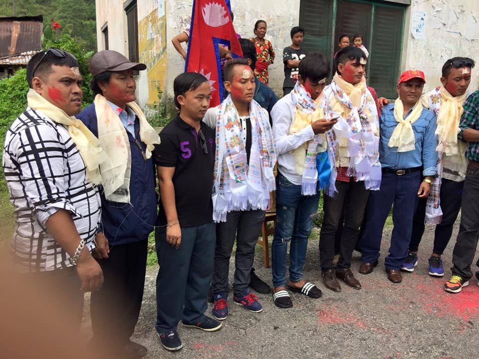 साफ यु-१९ विजयी टोलीका सदस्यहरुलाई गृहनगरमा भव्य स्वागत [फोटोसहित]