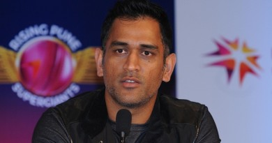 New Delhi: Indian Premier League`s Rising Pune Supergiants captain MS Dhoni addresses during the unveiling of the team jersey for IPL-2016 during a programme in New Delhi on Feb 15, 2016. (Photo: IANS)