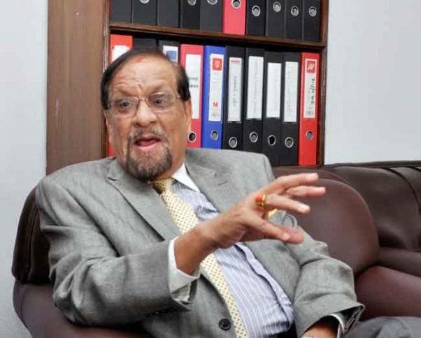 पूर्व अर्थमन्त्री महत- राजनीतिक हस्तक्षेपले क्रिकेट संघ निलम्बनमा पर्यो