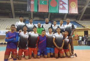 mens-volleyball-team