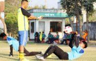मनाङले पहिलो खेलमा मोहमदेनको सामना गर्दै