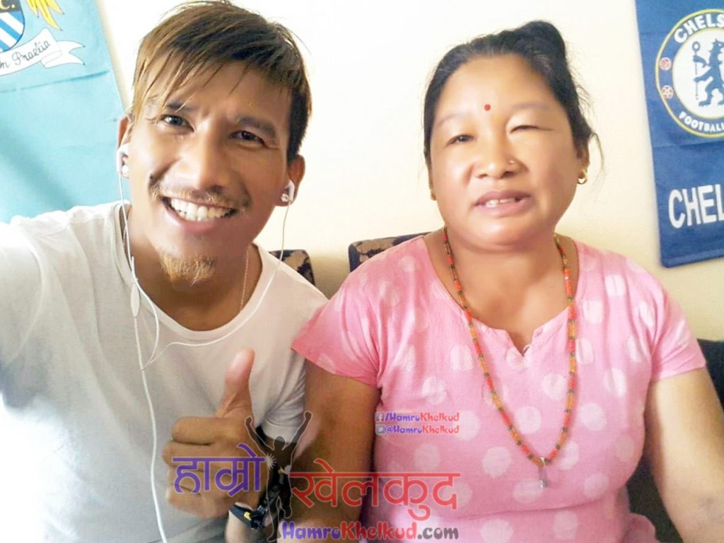 kiran-chemjong-with-mother