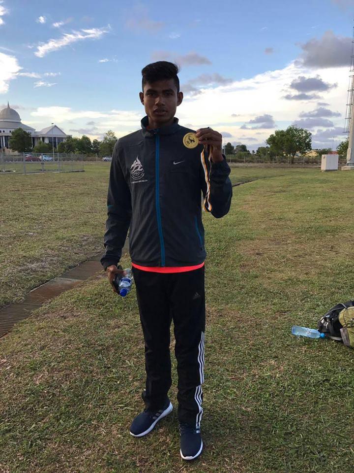 स्वर्ण पदकका साथ सोमबहादुर कुमाल ।