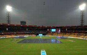 बेंगलोर र हैदराबाद बिचको खेल रद्द