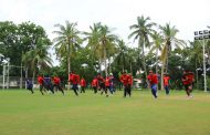 अभ्यास खेलमा नेपाली टोली टस जितेर ब्याटिङ गर्दै
