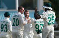 दक्षिण अफ्रिका इनिङ अन्तरले विजयी
