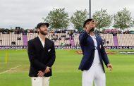 न्युजिल्यान्ड भारत विरुद्ध फाइनलमा टस जितेर पहिला बलिङ गर्दै
