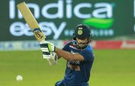 भारत मात्र ८१ रनमा समेटियो